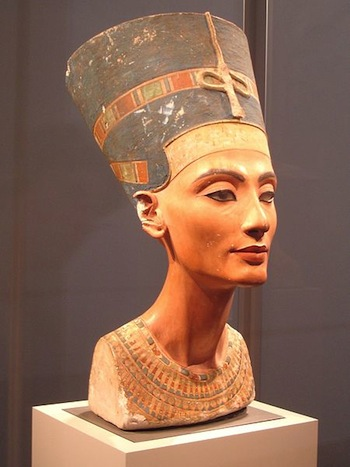 Institut Valencia d'Art Modern (IVAM) presents Tea with Nefertiti