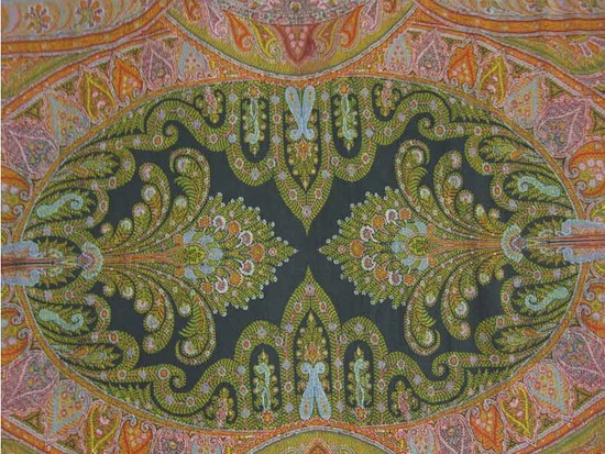 Shawl (detail), France, 1860s. Wool. Denver Art Museum Neusteter Textile Collection.