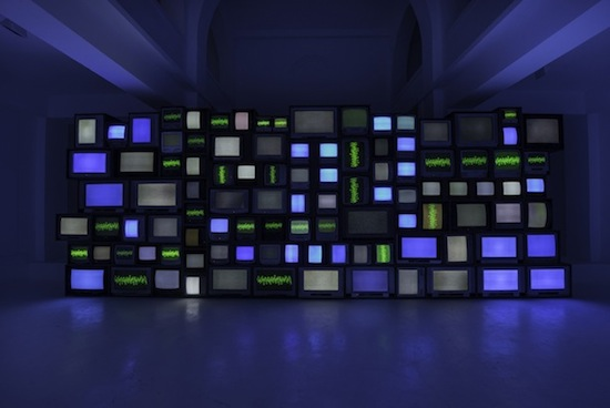 Susan Hiller, Channels, 2013. Installation view, centre d'art contemporain – la synagogue de Delme, 2013. Photo: OHDancy. Courtesy Matt's Gallery, London.