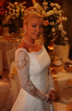 wedding gown worn by actress Melody Thomas Scott