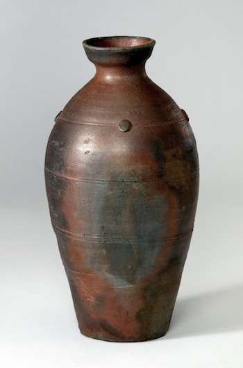 Rob Barnard, Bottle Vase, 1989. Stoneware, wood‐fired, 10 3/4 x 6 inches. Collection of Josseline and Rob Wood.