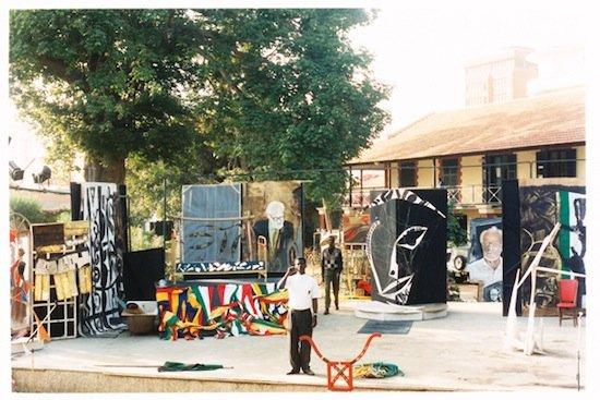 Plehanov 7, les cendres de Pierre Lods, 19 January 1990, Théâtre de Verdure du Centre Culturel, Dakar. Reproduced with kind permission of the Weltkulturen Museum, Frankfurt am Main, Collection Axt/Sy.