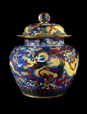 Cloisonne enamel jar and cover with dragons. Metal with cloisonné enamels, Xuande mark and period (1426-1435), Beijing. © The Trustees of the British Museum.