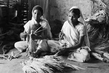 Pranlal K Patel, Making Brooms, Saraspur, Ahmedabad, Jyoti Sangh Series, c. 1937.