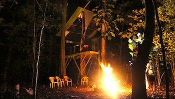 "Radamés ""Juni"" Figueroa, Tree House – Casa Club, 2013. Image courtesy the artist."