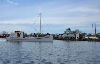 The 1920 buyboat Winnie Estelle joins CBMM's floating fleet