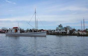 1920 Chesapeake Bay buyboat Winnie Estelle