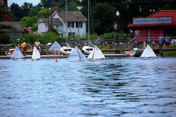 Model skipjack race