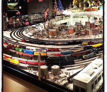 Holiday traditions live at Cincinnati Museum Center