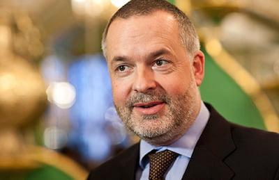 Dr Hartwig Fischer