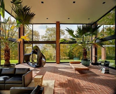 philip-johnson-in-new-canaan