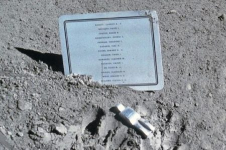 Fallen Astronauts Remembered in Presentation at the Museum of Flight