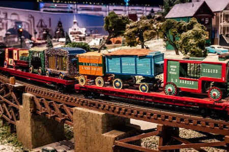 Duke Energy Holiday Trains celebrate their 75th anniversary at the Cincinnati Museum Center